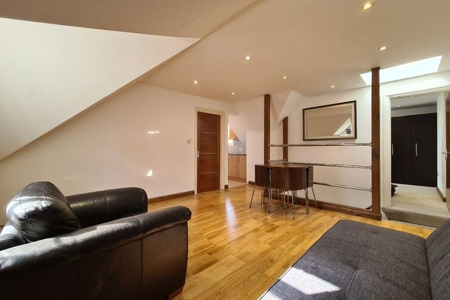 Thumbnail Flat to rent in Canfield Place, South Hampstead
