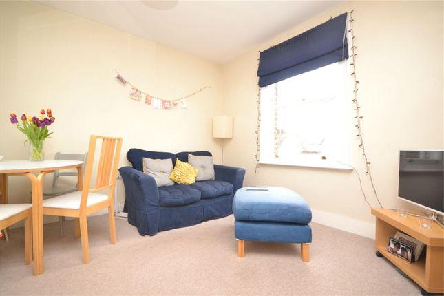 2 bed flat to rent in St. Margarets Road, St Margarets, Twickenham