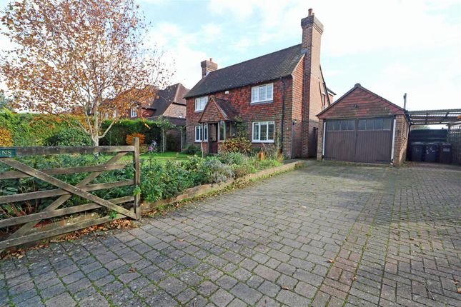 Thumbnail Detached house to rent in Sayerland Road, Polegate