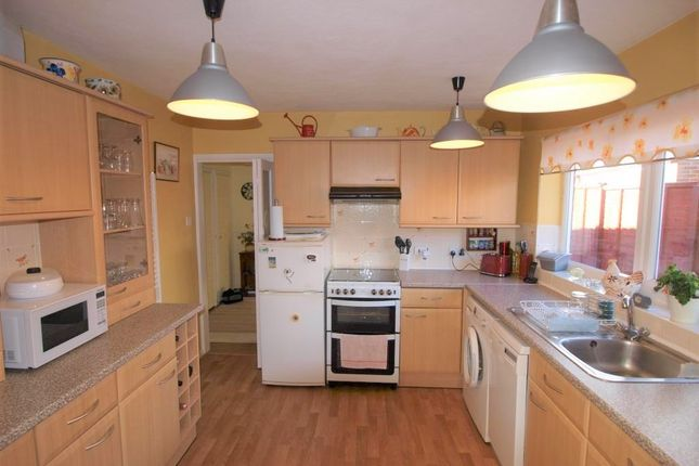 Kitchen of Lancing Way, Wannock BN26
