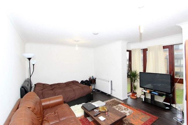 3 bed flat to rent in Clayponds Avenue, South Ealing