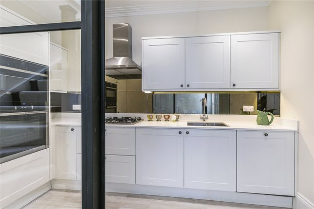 Thumbnail Mews house for sale in Prescott Place, London