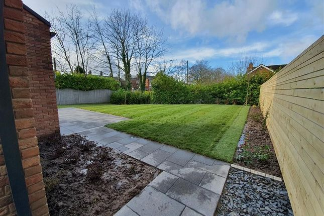 Garden of Middlewich Road, Holmes Chapel, Crewe CW4