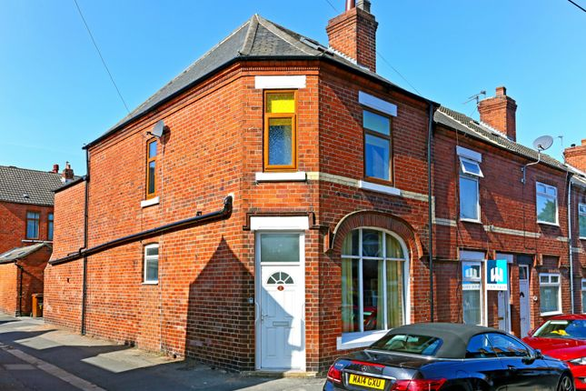 4 bed shared accommodation to rent in Queen Street, Pontefract WF8