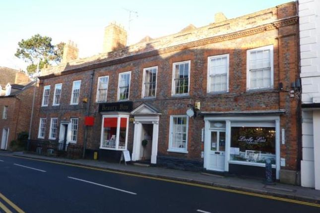 Flat to rent in West Street, Buckingham