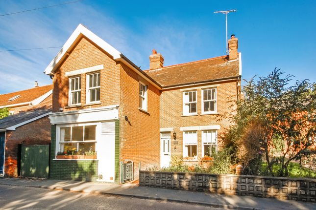 4 bed property for sale in The Street, Earl Soham, Woodbridge