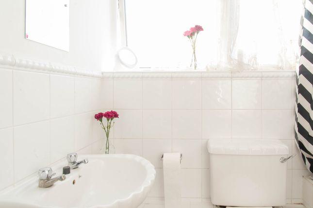 Bathroom of Cuthbert Street, Paddington, Central London W2