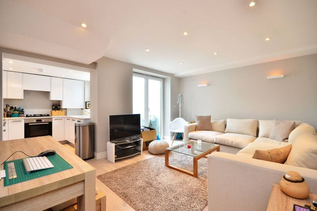 Thumbnail Flat to rent in Byrne Road, Balham