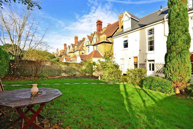 Thumbnail Flat for sale in Watts Avenue, Rochester, Kent