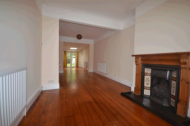 4 Bed Property To Rent In Haydon Park Road London
