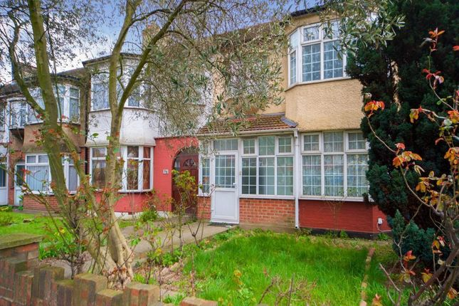 Thumbnail Property to rent in Carlton Terrace, Great Cambridge Road, London