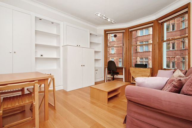 2 bed flat to rent in Ridgmount Gardens, London