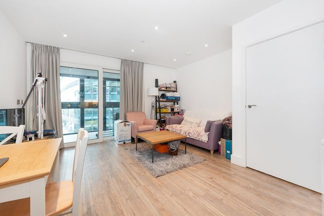 Thumbnail Flat to rent in New Drum Street, Aldgate East