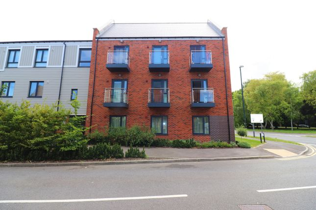 Thumbnail Flat to rent in Pilots View, Chatham