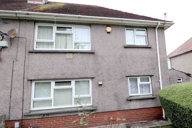 Thumbnail Flat to rent in Broadoak Court, Swansea