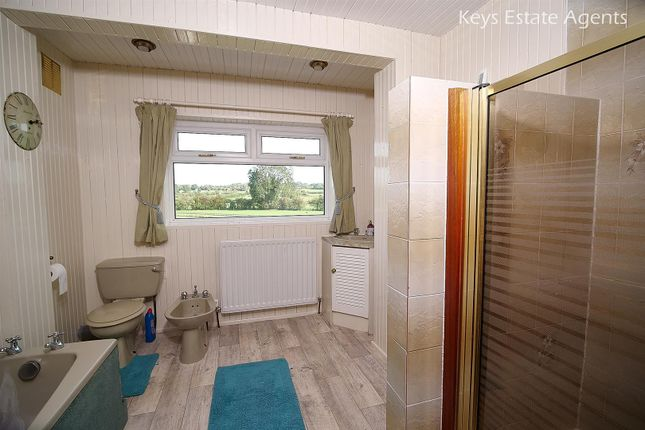 Bathroom Ang1 of Uttoxeter Road, Blythe Bridge, Stoke-On-Trent ST11