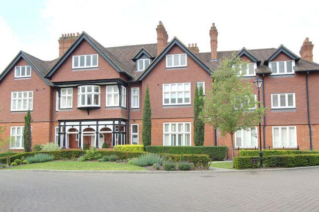 Thumbnail Flat for sale in Newton Park Place, Chislehurst