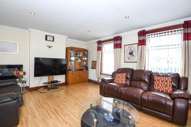 Living Room of 101A Basingstoke Road, Reading RG2