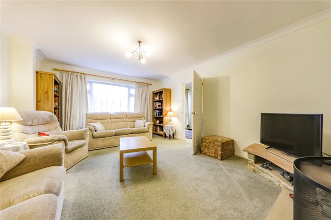 Picture No. 08 of Cantley Crescent, Wokingham, Berkshire RG41