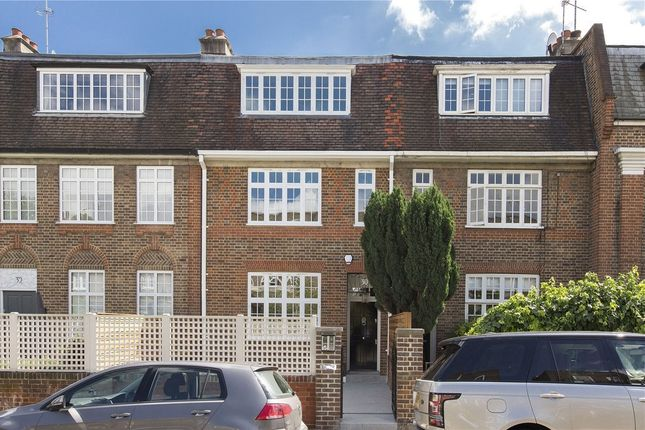 Thumbnail Terraced house for sale in Astell Street, Chelsea