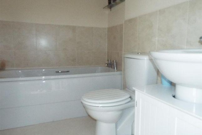 8 Bathroom of Penrhyn Gwyn, Llanelli SA15