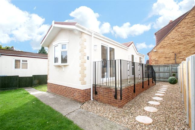 Thumbnail Mobile/park home for sale in Hawthornes Park, Ferry Avenue, Staines