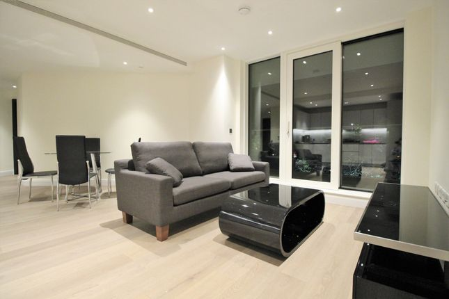 2 bed flat to rent in Sophora House, Vista, London