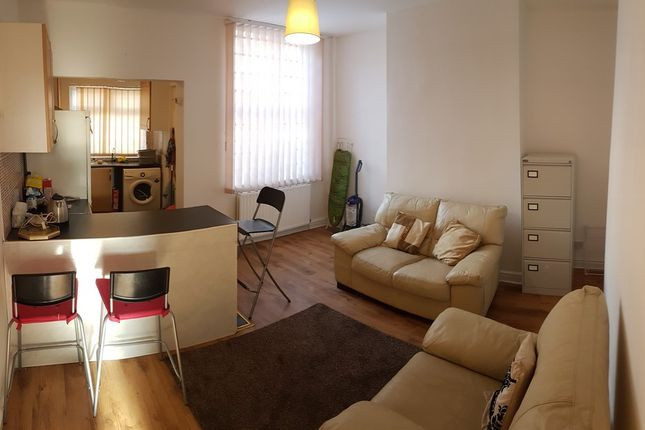 Thumbnail Terraced house to rent in Lowestoft Street, Manchester