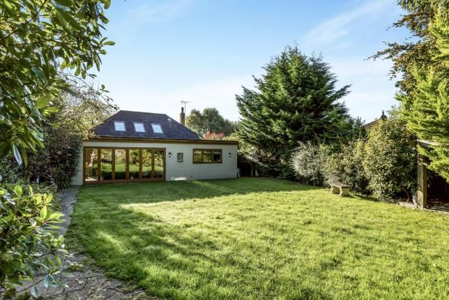 Thumbnail Bungalow for sale in Waterlooville, Hampshire, Uk
