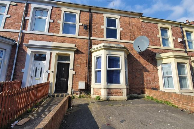 Thumbnail Flat to rent in Brighton Grove, Arthurs Hill, Newcastle Upon Tyne
