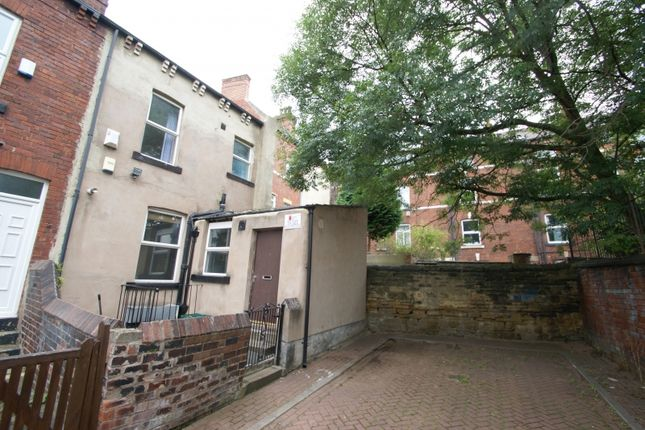 Thumbnail Terraced house to rent in Delph Lane, Woodhouse, Leeds