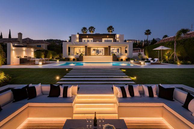 Thumbnail Villa for sale in Los Naranjos Golf, Nueva Andalucia, Marbella