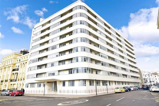 2 bed flat for sale in Kings Road, Brighton, East Sussex