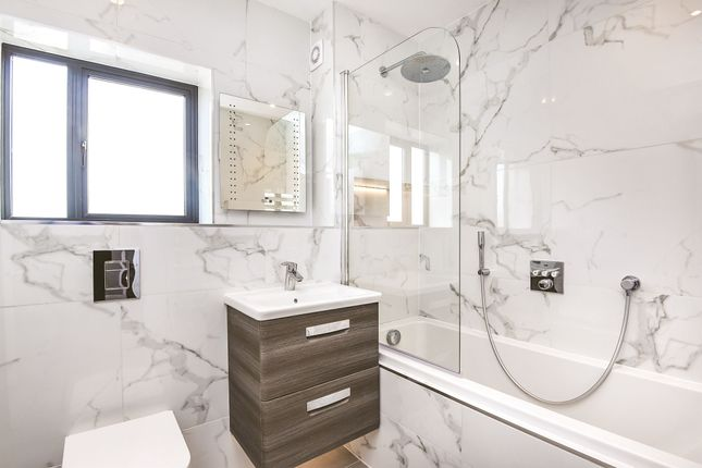 Flat for sale in Grovelands Road, Purley
