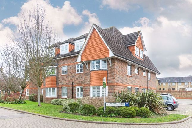3 bed flat for sale in Hayward Road, Thames Ditton KT7