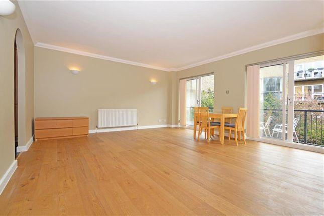 Thumbnail Flat to rent in Oakley Yard, Bacon Street, London