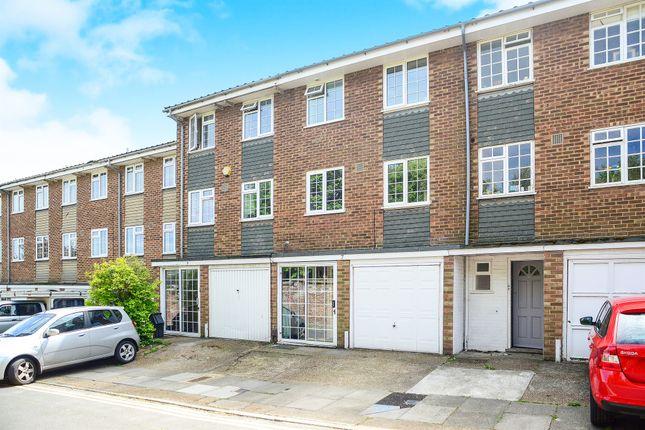 3 bed terraced house for sale in Robin Dene, Brighton