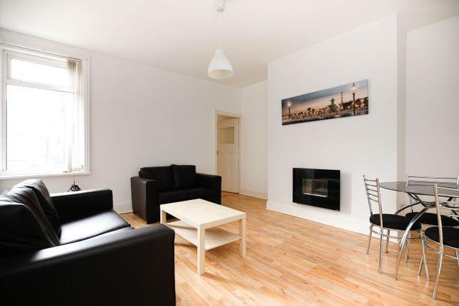 Thumbnail Flat to rent in Wingrove Avenue, Fenham, Newcastle Upon Tyne