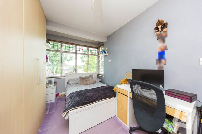 Picture No. 13 of Westbury Terrace, Upminster RM14
