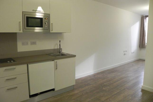 Studio to rent in Queen Avenue, Dale Street, Liverpool