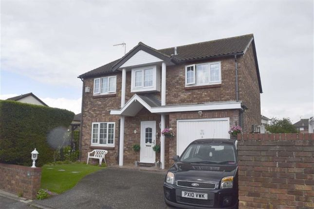 Thumbnail Detached house for sale in Ilmington Drive, Basildon, Essex