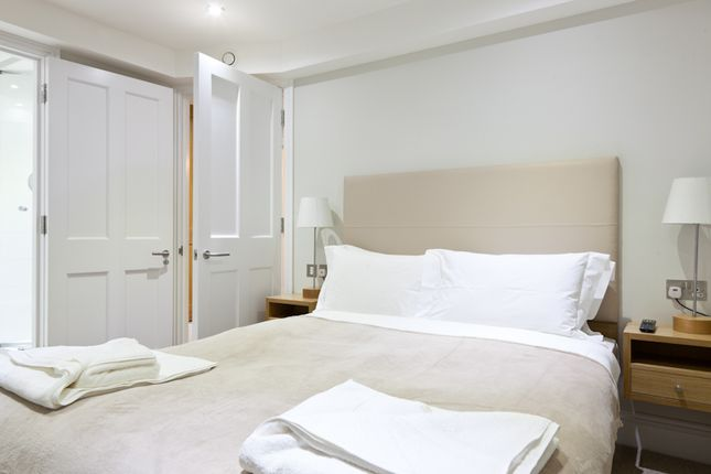 Thumbnail Duplex to rent in Gray's Inn Road, Bloomsbury, Central London