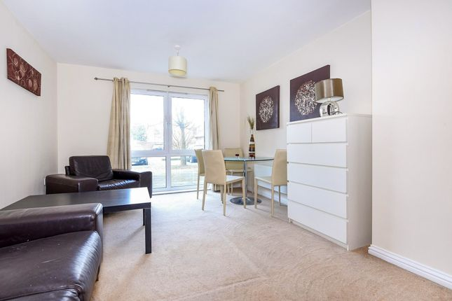 Thumbnail Flat for sale in Effra Parade, London