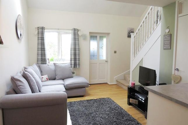 Thumbnail Property to rent in Lancaster Way, Abbots Langley