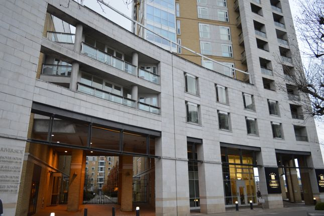 Thumbnail Flat to rent in Canary Riverside, 36 Westferry Circus, Canary Wharf, London