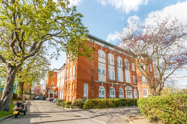 Thumbnail Property for sale in 94 West Hill, London