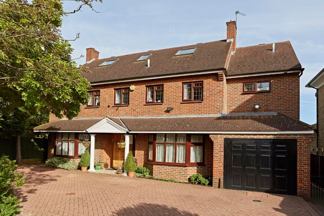 Thumbnail Detached house for sale in Park View Road, Ealing
