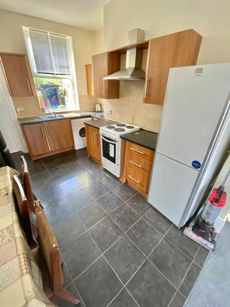 5 bed terraced house to rent in Norman Road, Birkby, Huddersfield HD2