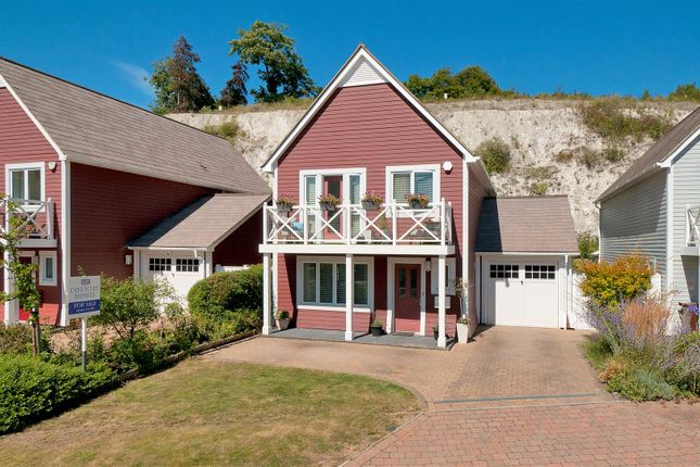 Thumbnail Detached house for sale in Alisander Close, Snodland
