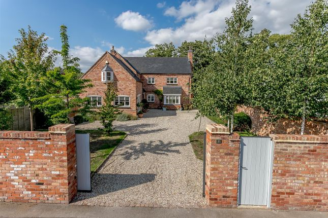 Thumbnail Detached house for sale in Mill Road, Leamington Spa, Warwickshire
